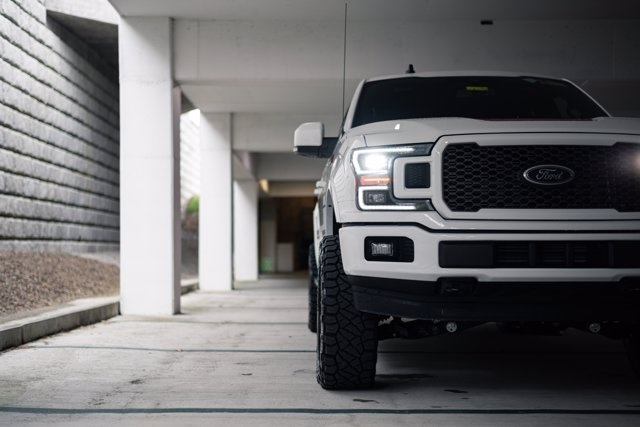 New 2020 Ford F-150 LIFTED Lariat